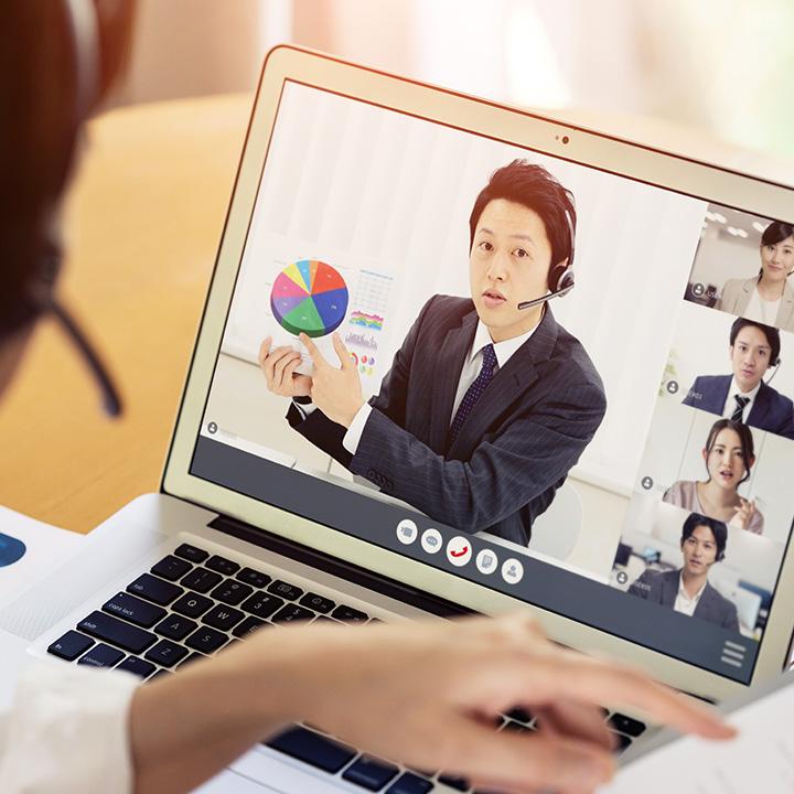 対面での営業を避ける「オンライン商談」